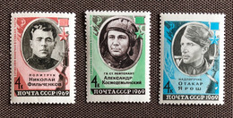 EROI DELL'UNIONE SOVIETICA / SOVIET HEROES - Unused Stamps