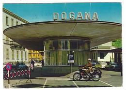 11.069 -  CHIASSO CANTONE TICINO SVIZZERA CONFINE ITALO SVIZZERO ANIMATA AUTO CAR MOTO POLIZIA 1970 CIRCA - TI Ticino