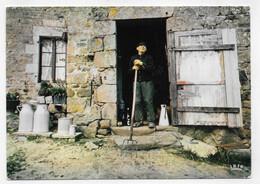 IMAGE DE LA VIE PAYSANNE - CPM GF VOYAGEE - 75 - Farmers