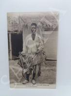 #CPA836 - Exposition De Grenoble - Village Africain Le Chef Balafon - Grenoble