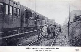 Transports - Greve Generale Des Chemins De Fer - Train Arrete En Pleine Voie - Other