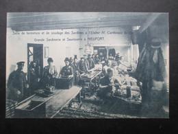 CP BELGIQUE (M2115) NIEUPORT Usine H. Carbonez & Cie (2 Vues) Grande Sardinerie Et Saurisserie - Salle De Fermeture - Nieuwpoort