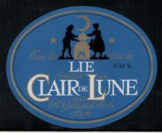 Lie Distillé Au Clair De Lune, Eau-de-vie - Fruits & Vegetables