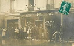 Courbevoie * Carte Photo * Devanture Façade Union Des Gaz * Le Patron Et Personnels * 29 Rue De Paris * Inondation Crue - Courbevoie