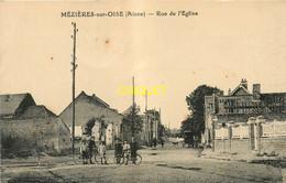 02 Mézières Sur Oise, Rue De L'Eglise, Groupe D'enfants Avec Vélos Au 1er Plan - Sonstige Gemeinden