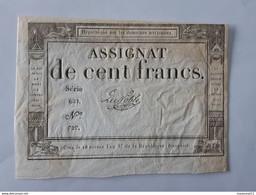Lot De 2 Assignats De 100 Francs Avec Numéros De Série Qui Se Suivent Et Signatures Différentes . - Assignats