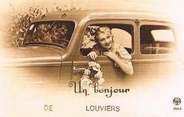 27  UN BONJOUR    DE    LOUVIERS    CPM  TBE   1085 - Louviers