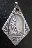 Médaille De Concours D Epêche De Vichy En Métal Argenté - Poids :  4,9g - Professionali / Di Società