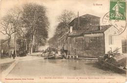 Cpa De L'Aude, Castelnaudary (11), écluses Et Moulin Saint-Roch (vue D'Amont), éd. Labouche 8, Péniche, Barge - Castelnaudary