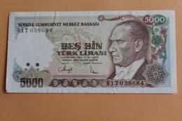(ooo Bes Bin Turk Lirasi - Turkey