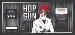 Etiquette De Bière Blonde   -  Hop Gun  -  Brasserie Brasse Cour  à  Prouvy  (59)  -  Thème Coq - Beer