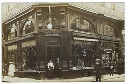 BELGIQUE - Carte Photo -TRES TRES RARE- BRUXELLES - Mag. Machines Acd. Singer- Papeterie Potaux-Hass -rue Fripiers -1909 - Altri