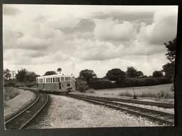Photographie Originale De J.BAZIN:Réseau Breton : Ligne De CARHAIX à GUINGAMP- Vers PLOUGONVER  En 1958 - Trenes