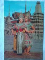 Thailand - Thai Classical Dancing - Couple (L'homme Est Joué Par Une Femme) - Golden Peninsula Photo Tatien Bangkok - Dans