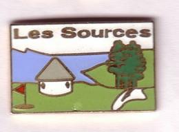 FF300 Pin's Ville Vittel Vosges Golf Les Sources Superbe Qualité Egf Achat Immédiat - Golf