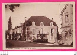 CPA (Réf: Z 2722) St-ALVÈRE  (24 DORDOGNE) Place De La Mairie (animée) - Other Municipalities