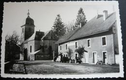 Carte Photo - Jura 39 -  Censeau - L'hôtel Central Et L'église ( Voiture Gazogène Et Fiat Topolino ) - Other Municipalities