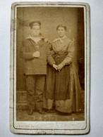 Photographie CDV Circa 1865/70 - Marin Et Son Épouse - Photo Rubino, Marseille - Etat - War, Military