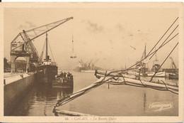 Calais (62 Pas De Calais) Le Bassin Ouest - Grue De Chargement D'une Péniche Et Du Jolly Edmond -édit. Harmignies N° 46 - Calais