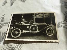 20/9 , 2 , Carte-Photo, Superbe Automobile Décapotable Avec Un Soldat . Circa 1920 - Automobili