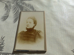 20/9 ,41 , Photo CDV , Jeune Femme En Robe Noire , De Deuil, Photographie E.Guarnero , Nice - Antiche (ante 1900)