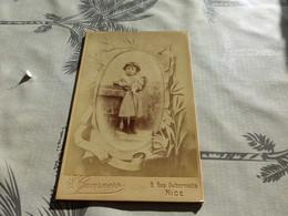 20/9 ,58, Photo CDV Grande, Petite Fille En Robe Portant Une Poupée, Photo E.Guarnero, Nice - Antiche (ante 1900)
