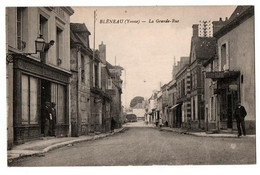 BLENEAU LA GRANDE RUE COMMERCES ANIMEE - Bleneau