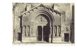 Cpm - 13 - ARLES - Eglise Saint Trophime - Le Portail -  387 Roby - Statue Coquille  - - Arles