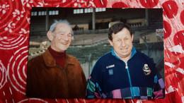 PHOTO GUY ROUX COMMENTATEUR SPORTIF A TOULOUSE 2 AVRIL 1993 PHOTO SIMONE  KODAK FORMAT 9.5 PAR 14 CM - Sports