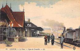 GARES Avec TRAIN - 14 - LISIEUX : La Gare - Ligne De TROUVILLE ( Locomotive En 1er Plan ) CPA Colorisée - Calvados - Stations - Met Treinen