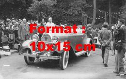 Reproduction Photographie Ancienne D'une Dame Dans Une Talbot Décapotable à Un Concours D'élégance En 1932 - Reproductions