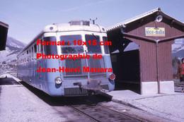 ReproductionPhotographie Ancienne D'un Autorail En Gare Avec Publicité Lisez Nice-Matin à Saint-André Nice-Digne 1969 - Reproductions