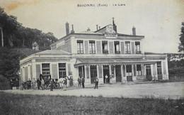 CPA. - [27] Eure > BRIONNE - LA GARE - Un ATTELAGE De CALECHE - CHEF DE GARE - Belle Animation - TBE - Other Municipalities