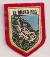 Ref ENV20 : Ecusson Blason Brodé Patch Tissu : Le Grand Roc - Ecussons Tissu