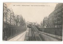 Le Métropolitain Aérien à La Gare Du Boulevard Barbès Paris Métro Paris Rare 660 CLC - Metropolitana, Stazioni
