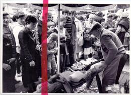 Foto Persfoto - Heist - Folkloremarkt, Klompenmaker Jules Smet Uit Beveren Waas -15 Juli 1981 - Non Classés