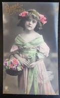 Grete Reinwald Avec Panier De Fleurs - Portraits