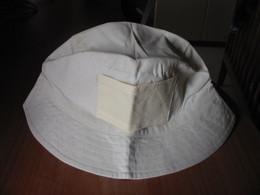 Cappello Color Ecrù Da Ricamare A Punto Croce. - Punto Croce