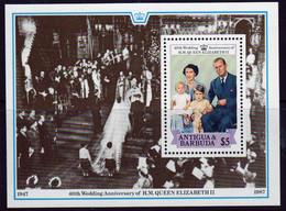 Antigua 1988 Mini Sheet To Celebrate The Queens 40th Wedding Anniversary In Unmounted Mint. - Antigua Y Barbuda (1981-...)