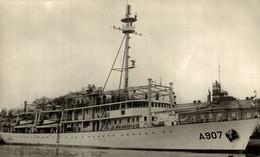 RPPC Hr Ms Snellius A907 Opnemingsvaartuig Niewu Guinea  MILITARY SHIPS NAVIRES MILITAIRES BATEAUX BARCOS DE GUERRA WAR - Guerra