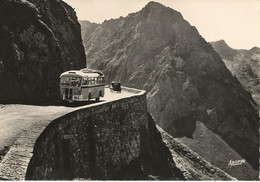 BAREGES  -  La Route Du Tourmalet Au Gouffre Du Ganchou  (autobus Autocar) - Other Municipalities