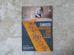 CINEMA Affiche Sur Carte CHRISTO MARCHER SUR L' EAU - Documentaire 15/9/2021 - Posters Op Kaarten