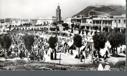 B 108 CARTE POSTALE SEMI MODERNE   VUE SUR LE SOUK  DE TALBORDJT - Agadir