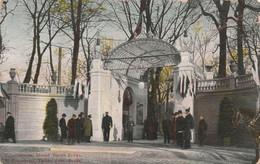 Russie - ST PETERSBOURG - Théâtre D' été Bouffe - Circulée 1909 - érosion - Rusia