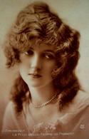 CPA  LA PLUS BELLE FEMME DE FRANCE , L EMERAUDE , Portrait , 1920 MISS THE MOST PRETTY WOMAN OF FRANCE OLD PC - Women