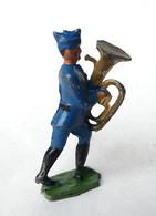 FIGURINE PLOMB CREUX CBG MIGNOT SOLDATS FRANCAIS BLEU ET CALOT JOUEUR DE Gros TUBA - Soldatini Di Piombo