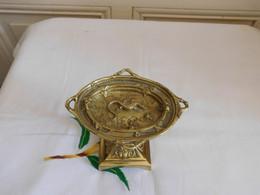 Petite Coupe En Bronze Doré Décor Salamandre Insecte Et Lierre - Altri
