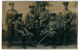 Foto AK 1.WK Preußen Unteroffiziere Säbel Portepee #221 - Guerra 1914-18