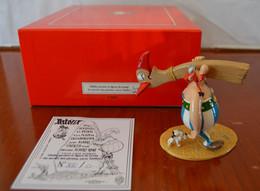PIXI 4188 OBELIX PORTANT LA FIGURE DE PROUE DU NAVIRE DES PIRATES NEUF BOITE D'ORIGINE CERTIFICAT N°12/500 - Asterix & Obelix