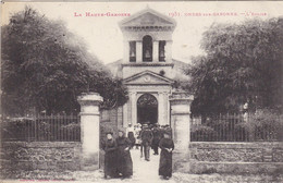 31. ONDES SUR GARONNE.CPA. RARETE.L'EGLISE. ANIMATION. SORTIE DE MESSE.+ TEXTE. ANNÉE 1916  CORRESPONDANCE MILITAIRE - Other Municipalities